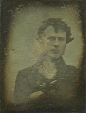 premier-selfie-lhistoire-date-1839-L-O1FgKD